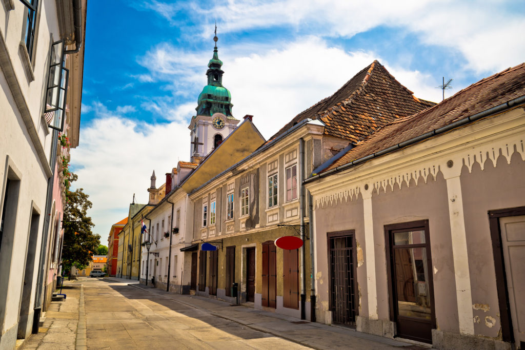 Town of Karlovac street and church